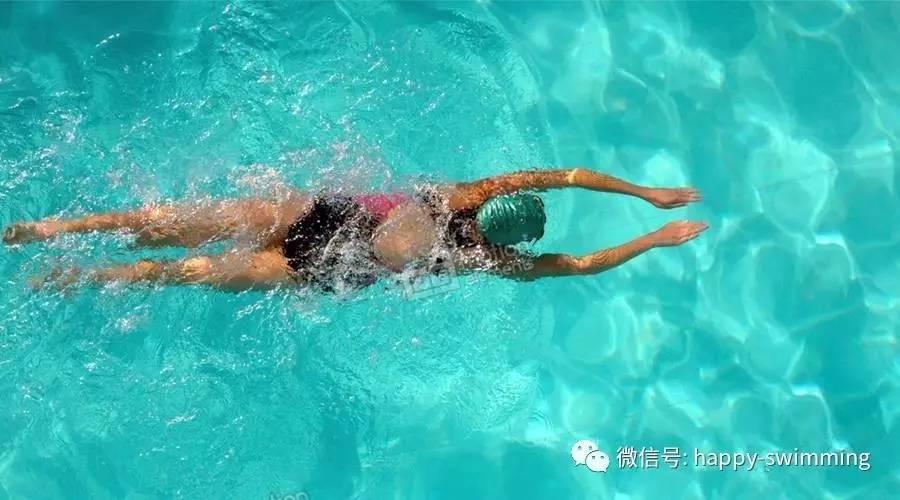 剧烈运动后能游泳吗图片