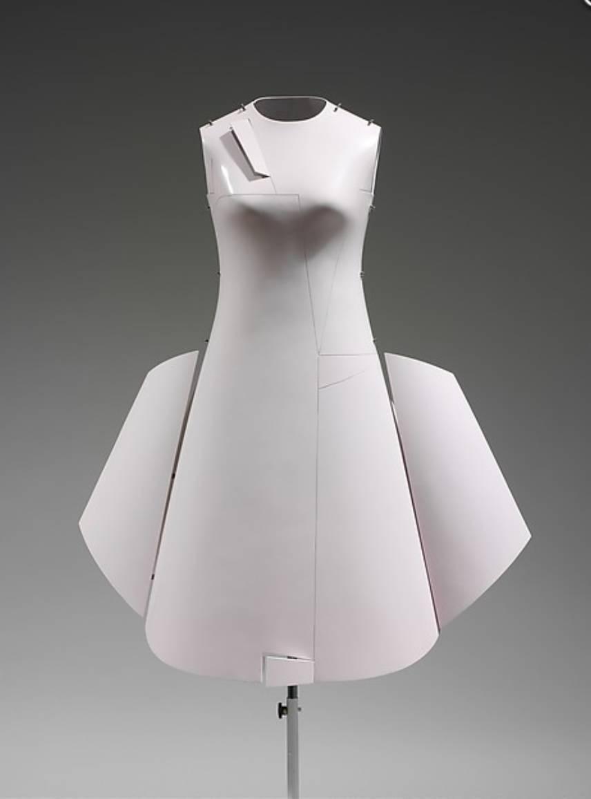 90年代备受争议的设计师是如何颠覆传统时尚的? 服饰潮流 图22