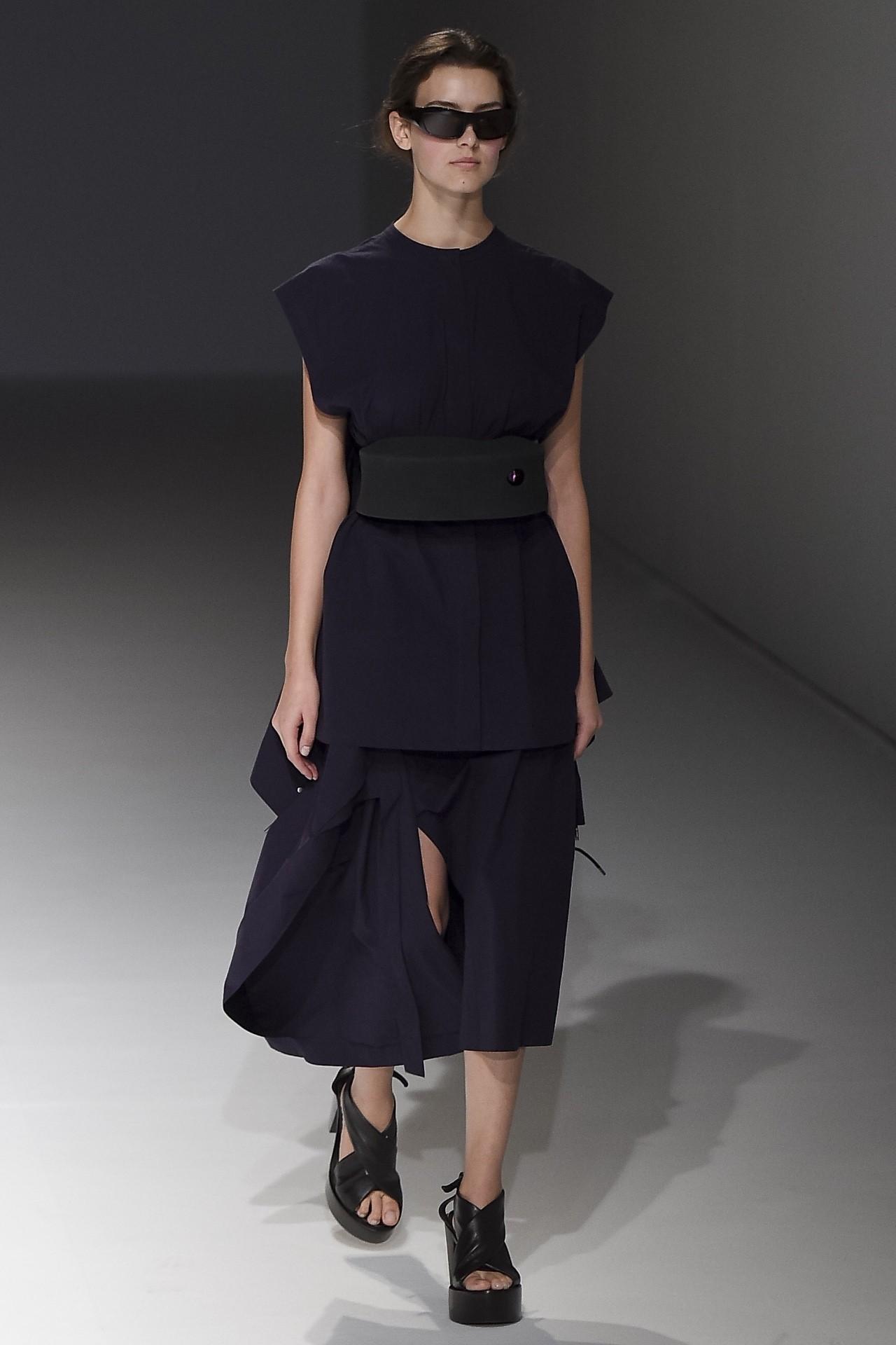 90年代备受争议的设计师是如何颠覆传统时尚的? 服饰潮流 图37