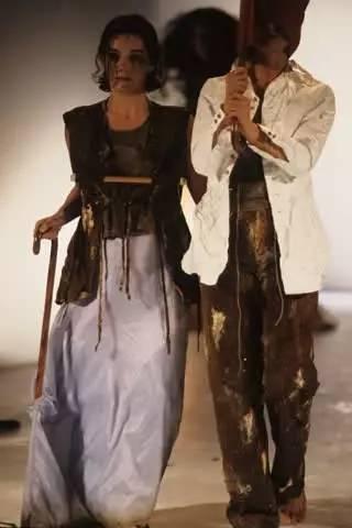 90年代备受争议的设计师是如何颠覆传统时尚的? 服饰潮流 图11