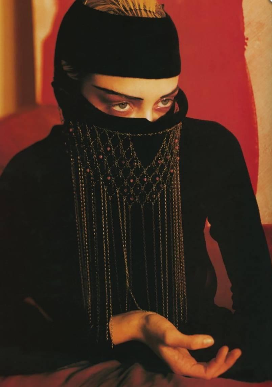 90年代备受争议的设计师是如何颠覆传统时尚的? 服饰潮流 图21