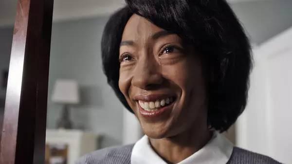 黑人女人黄色电影_半夜跑步的黑人管家.