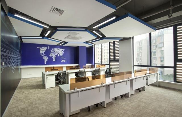 具备设计感的it公司办公室装修风格