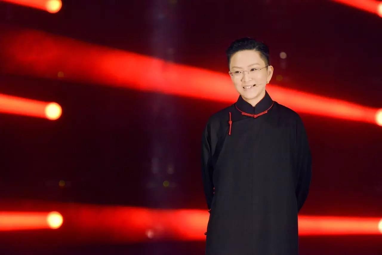 演员孙斌唱小生, 刚唱两个字, 王佩瑜就笑了!