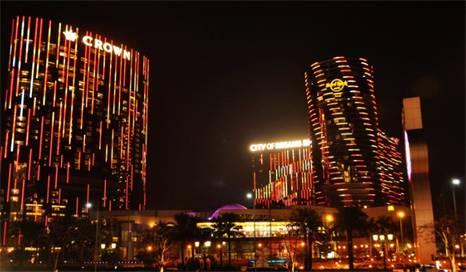 旅游 正文  新濠天地由四幢塔楼组成, 娱乐场所包括天幕,水舞间, 新濠