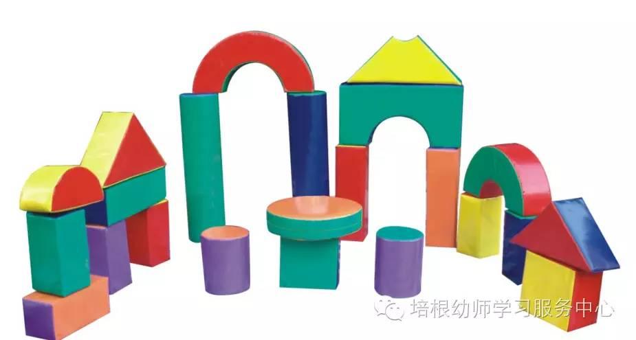 积木,乐高 积木是幼儿园建构区最常见的素材之一,它几乎无所不能