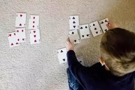 1副扑克牌,带娃数学、游戏不重样