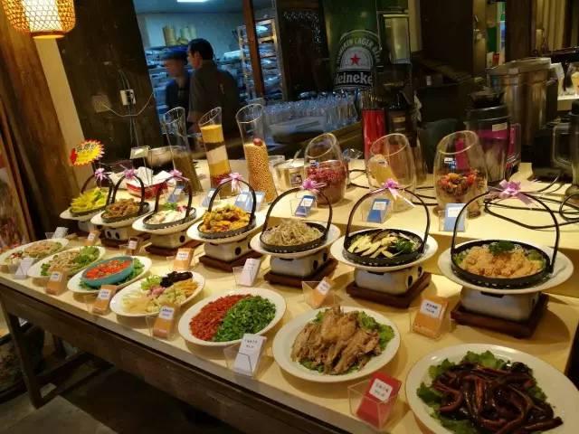 卢氏装修汤精致徐州菜从菜品到着眼,从哪儿跑马都是特色;从规模上怎么做西米芋圆粥图片