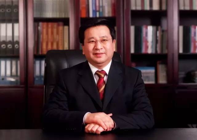 中车副董奚国华任新兴际华董事长