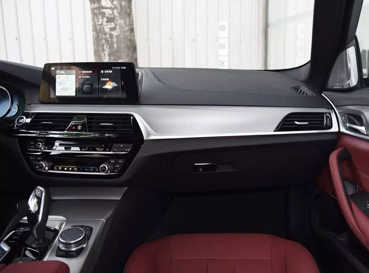 珠海媒体首次试驾BMW新5系 530Li尊享版