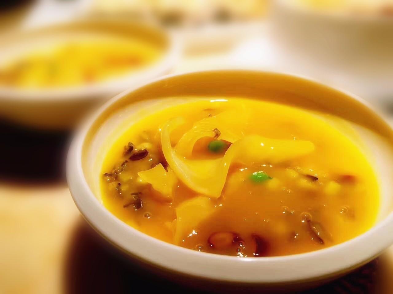 金汤杂粮烩花胶排骨汤用红萝卜行不行图片