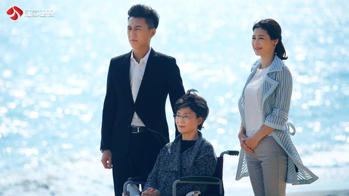"""《我们的爱》靳东颠覆演绎""""凤凰男""""回归家庭"""