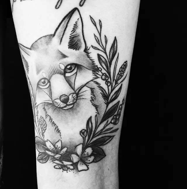 狐狸黑白3
