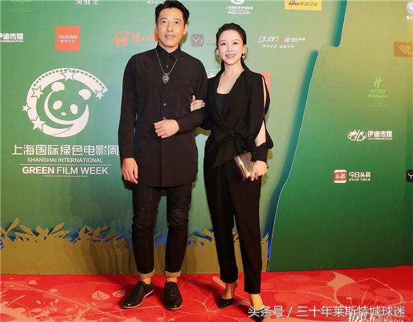 潘晓婷还打球吗?穿黑色高跟鞋手挽香港男星,跨界尝试娱乐圈!