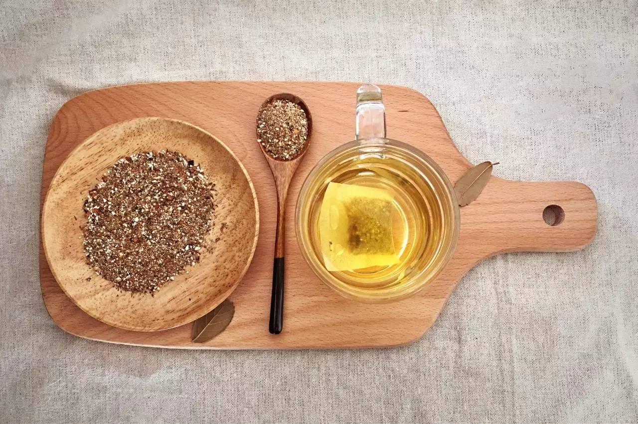 半草堂红薏米茶有多种口味,   功效大不相同,   可以根据自身情况选