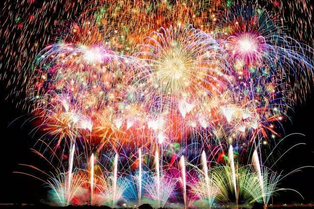 花火大会——点燃绚丽浪漫的仲夏之夜