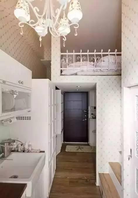 时尚 正文  小编今天分享的这套单身公寓案例,只有20个平方,挑高3.
