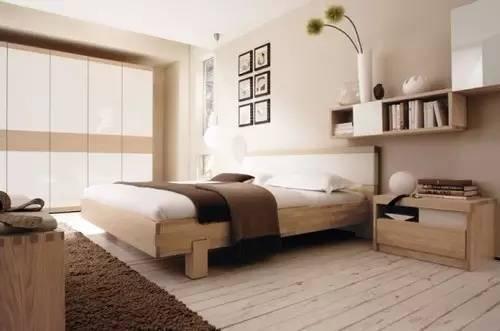 图3亮点:使用原木色家具时,搭配相识色的地板看起来格调更高.-惊