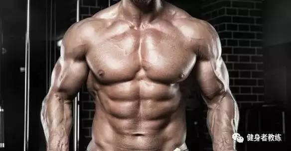 睡前饮食大揭秘,三分练七分吃,如何吃才能确保肌肉的过夜生长?