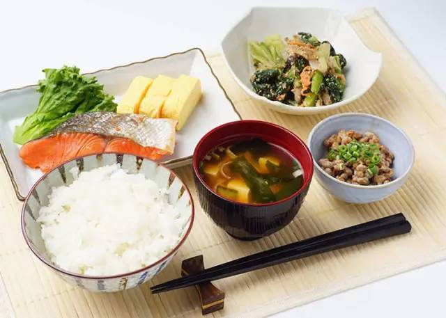 不可不知的日本餐桌礼仪
