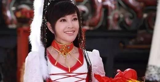 在《隋唐英雄传3》中,刘晓庆饰演欧阳飞燕,唐太宗李世民的明妃,一位16