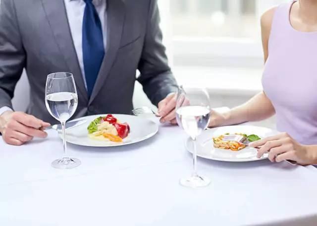 那些外国的餐桌礼仪