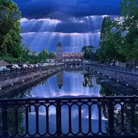 法国 斯特拉斯堡 唯美梦幻的城堡,简直美呆了