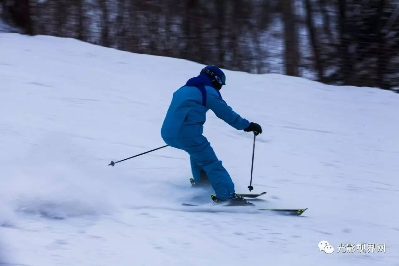 《冰雪运动3》佟中伟摄