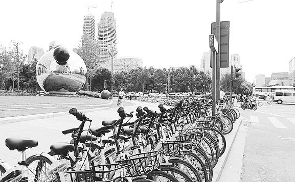 """求解""""单车围城""""看共享单车治理的""""成都经验"""""""