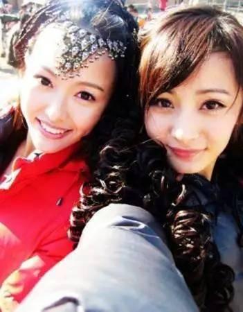 林心如许玮宁秀姐妹纹身,明争暗斗的娱乐圈你以为她们图片