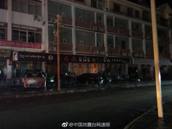 九寨沟县发生7.0地震:景区3.9万游客部分列车扣停