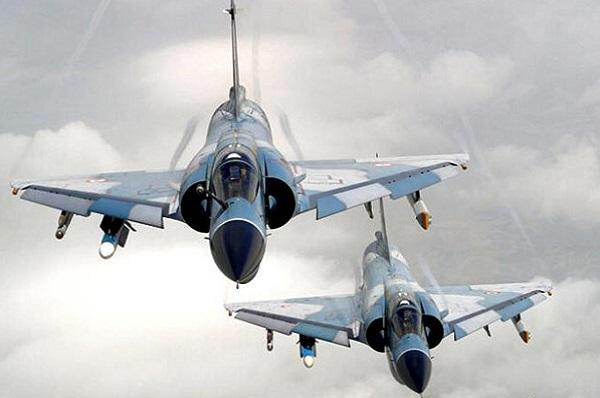 印度空军幻影-2000h战斗机,注意翼下还是玛特拉超530d空空导弹图片