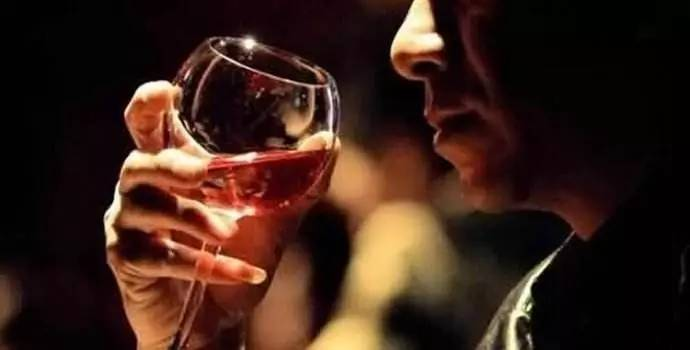 为什么喝酒的男人更值得尊敬 都来看看