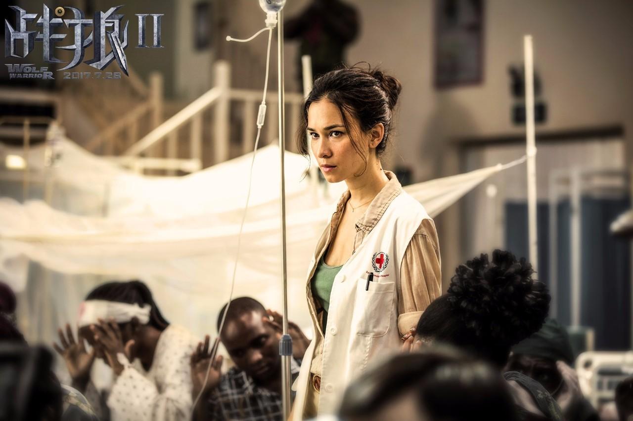 因 战狼2 在国内一夜爆红,混血美女原来是好莱坞超级打星