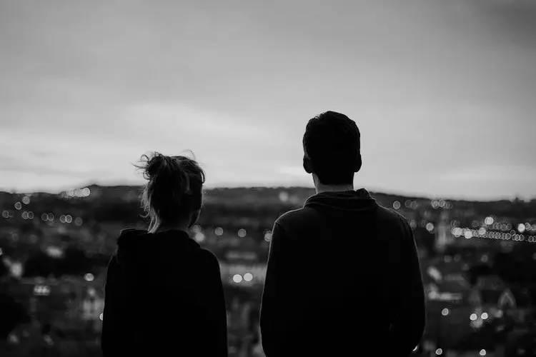 当你陪着我的时候,我从没羡慕过别人