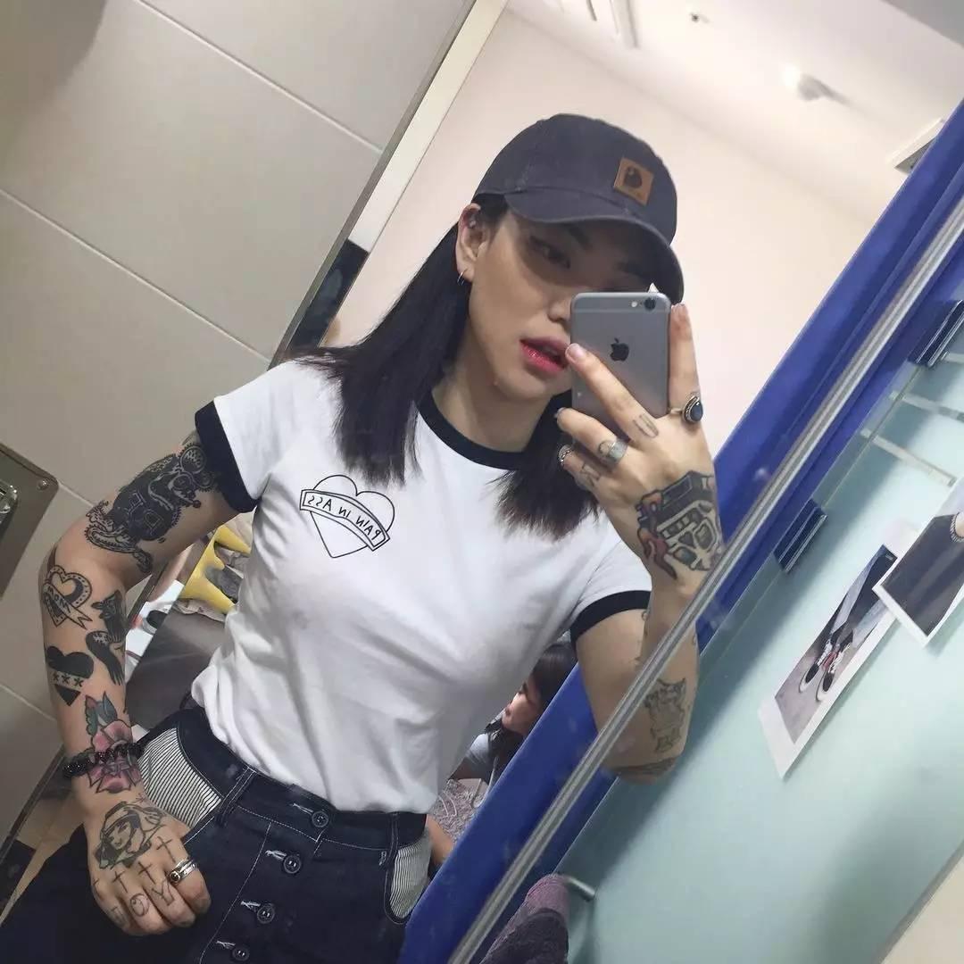潮人| 这个纹身师小姐姐做你女票你要不要?