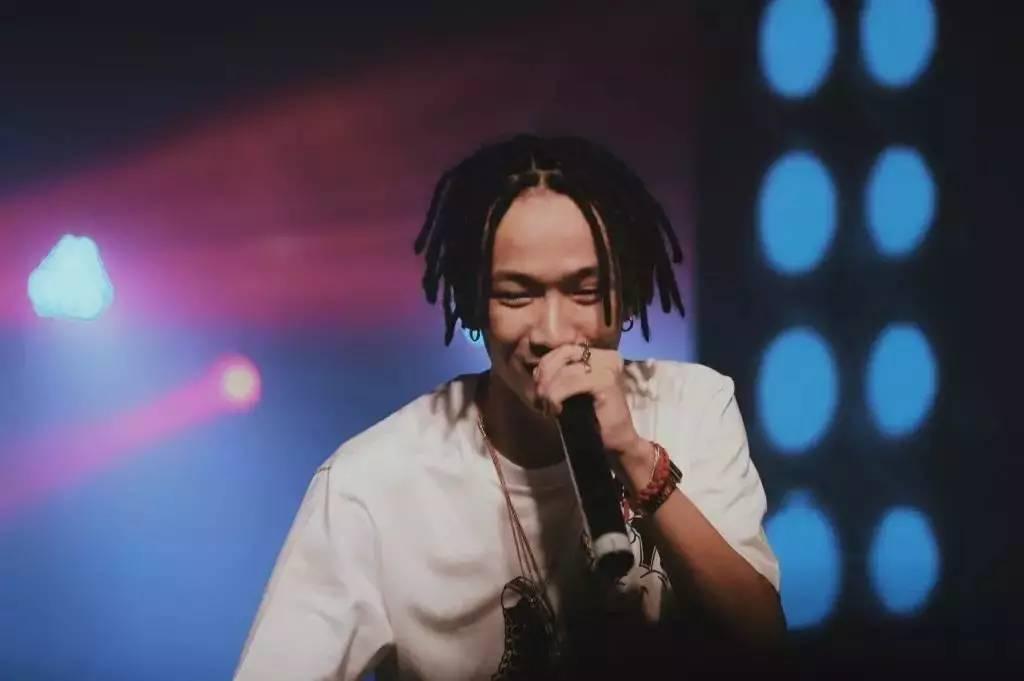 星鲜事 摩登天空手撕 TT吸毒 造谣者,这才是最真实的中国嘻哈