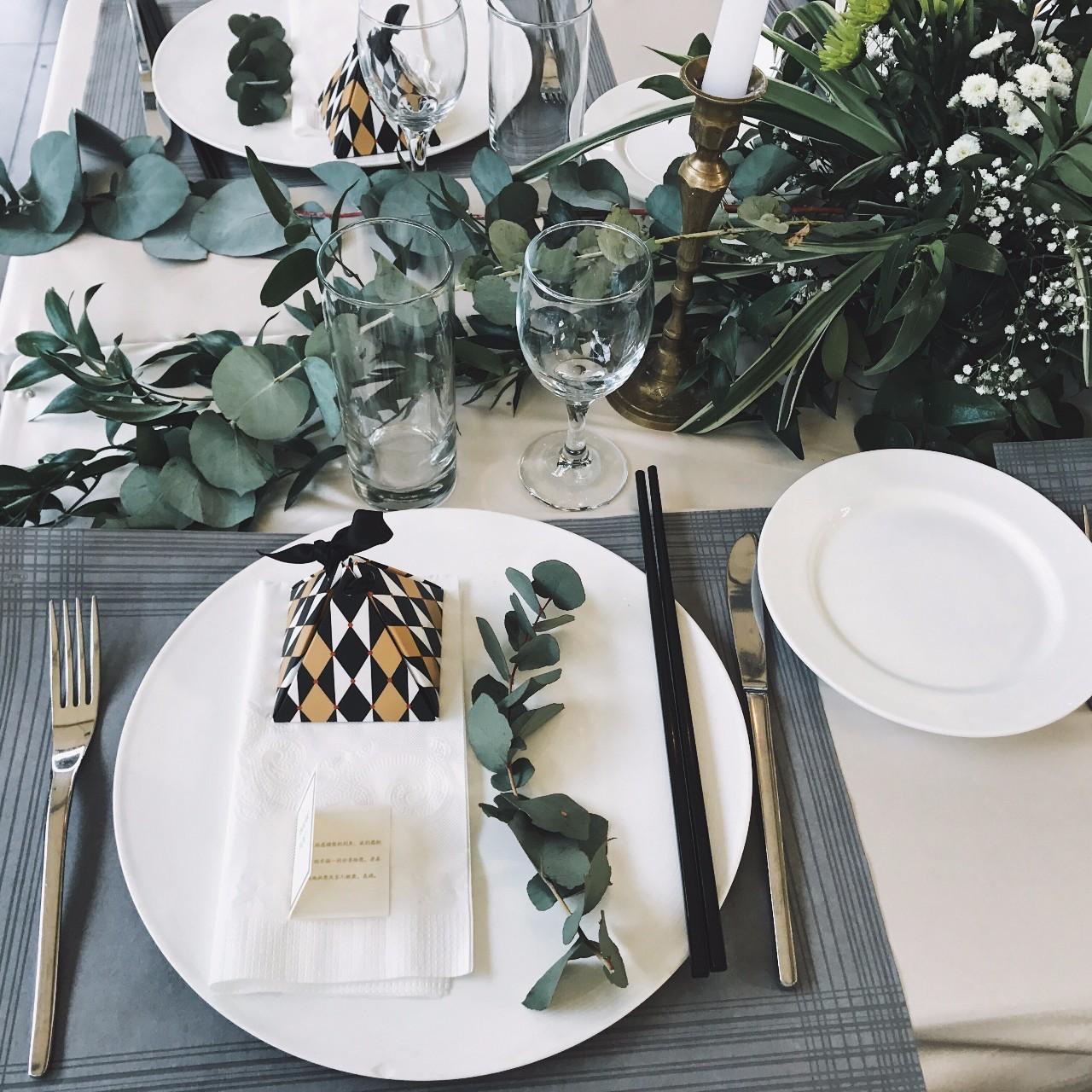 instagram拍照框 提醒大家一下,ins头像要选一个跟婚礼季节一样的啊图片