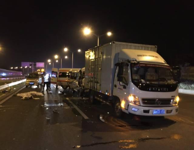突发 成都开往洛阳的豫C牌照客运车,发生重大交通事故,36死13伤高清图片
