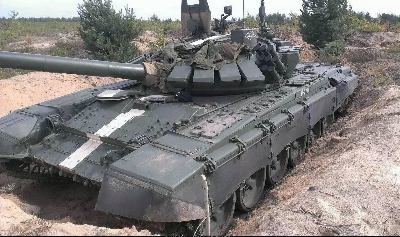 老当益壮的t72们!2014年俄罗斯坦克部队掠影