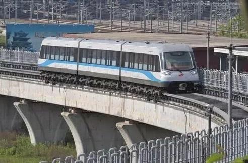 中国新一代中低速磁浮列车完成运行试验,最快