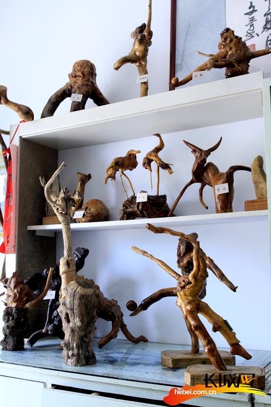 尚义七旬退休老汉自学根雕术创作五十多个艺术作品