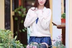 刘海清纯美女校花短裙黑丝俏皮可爱迷人图片
