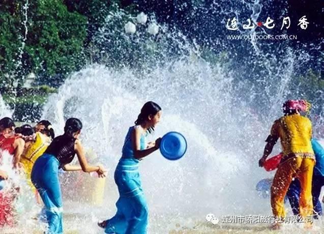 不湿身!   这里没有陌生人,所有人都十分热情,你可以尽情地玩水!  图片
