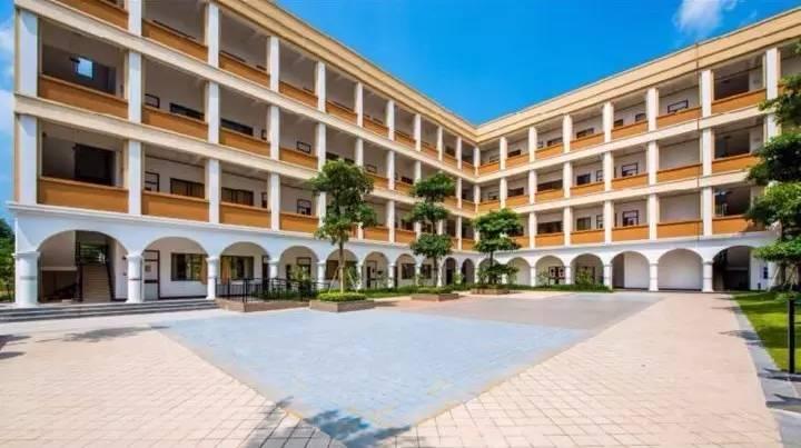 这就是保利山渐青社区内的——   南宁市兴宁区山渐青学校!   实景图图片