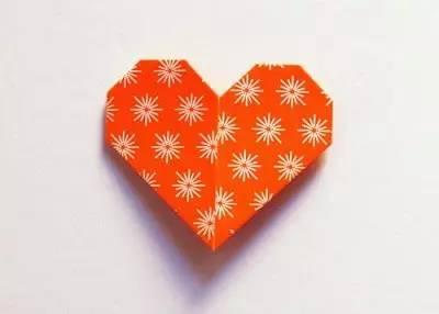 DIY心形折纸书签手工教程
