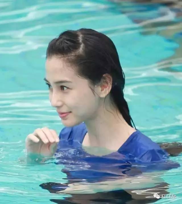 Baby张钧甯偷偷把瑜伽垫移到游泳池,她们这是要干什么?