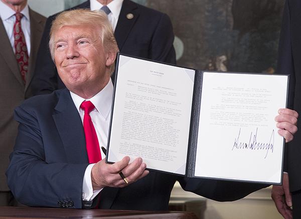 特朗普指示对华发起贸易调查是要挑事?更像转移国内政治焦点