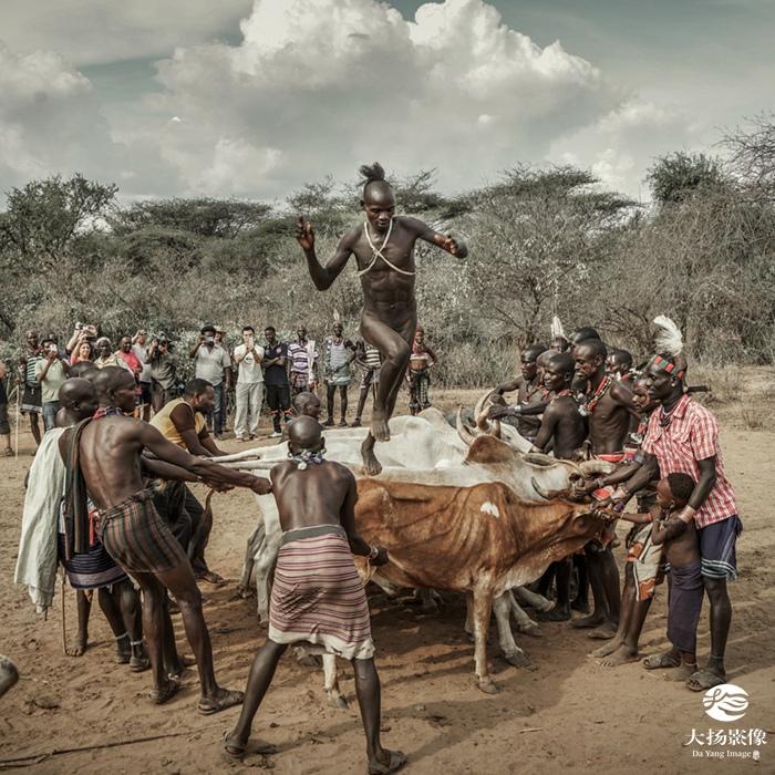 非洲成人影视_杨宜亮(山东青岛)《非洲成人礼-adult ceremony》