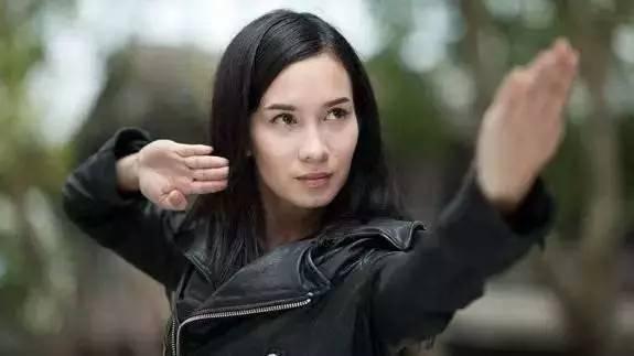 因报恩吴京,成一炮而红的混血女神 搜狐娱乐 搜狐网